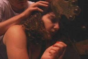 """Adriana Cintra, a Lara, e Ricardo Brunswick, o Aloísio, em """"Na esquina de sua mente"""". Foto: Marli Arboléia, reprodução"""