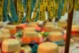 Fitas e chapéus da folia de Reis em Santo Amaro da Purificação/BA - Foto: Alex Oliveira - Setur-BA