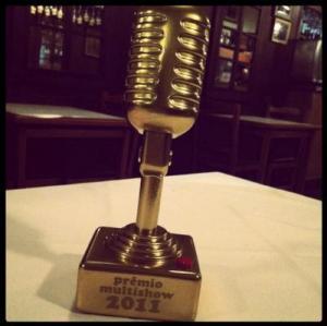 troféu de melhor cantora. imagem: blog da Tulipa